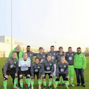 Fundación Sesé y el Club VfL Wolfsburg Equipo