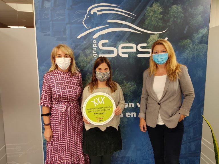 Grupo Sesé recibe el distintivo de empresa integradora de personas con discapacidad.