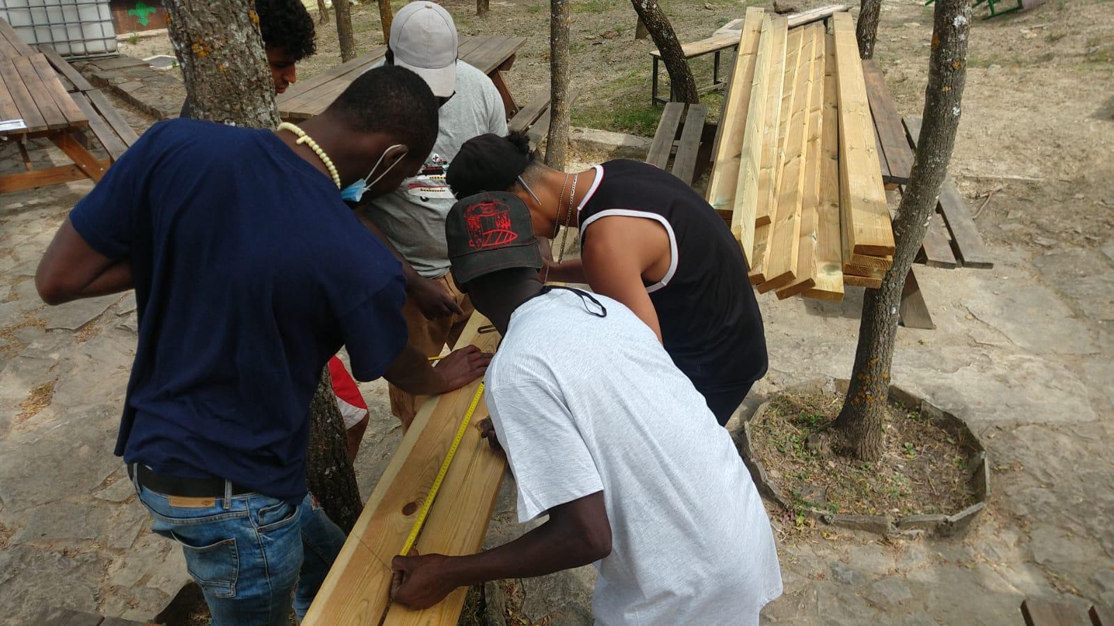 Fundación Sesé, Fundación Scout Griébal y Fundación Federico Ozanam colaboran por quinta vez en una nueva edición del campo de trabajo en el Centro Scout Griébal